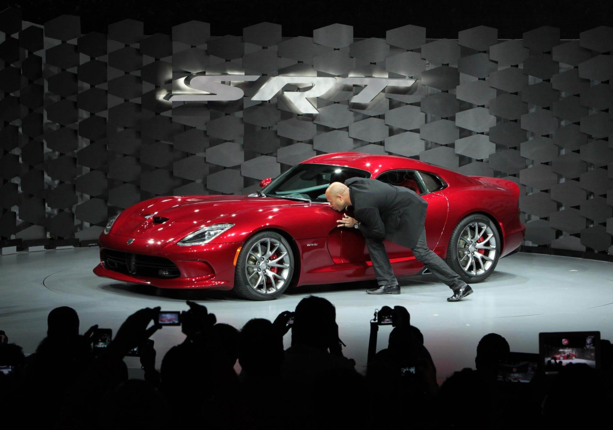Abstract The Art of Design por Netflix o designer automotivo Ralph Gilles Dodge Viper